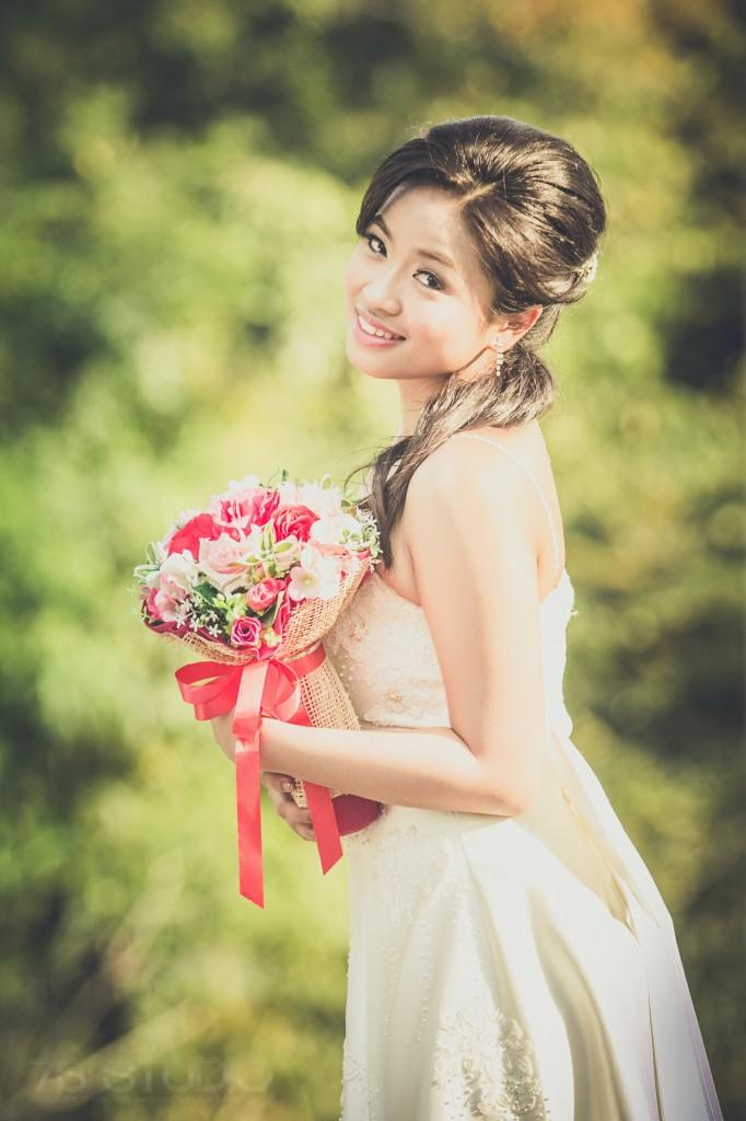 ช่างภาพงานแต่งงาน ในโบสถ์ ถ่ายภาพ Pre Wedding ติดต่อ TEl. 087 0677012 082 2557771