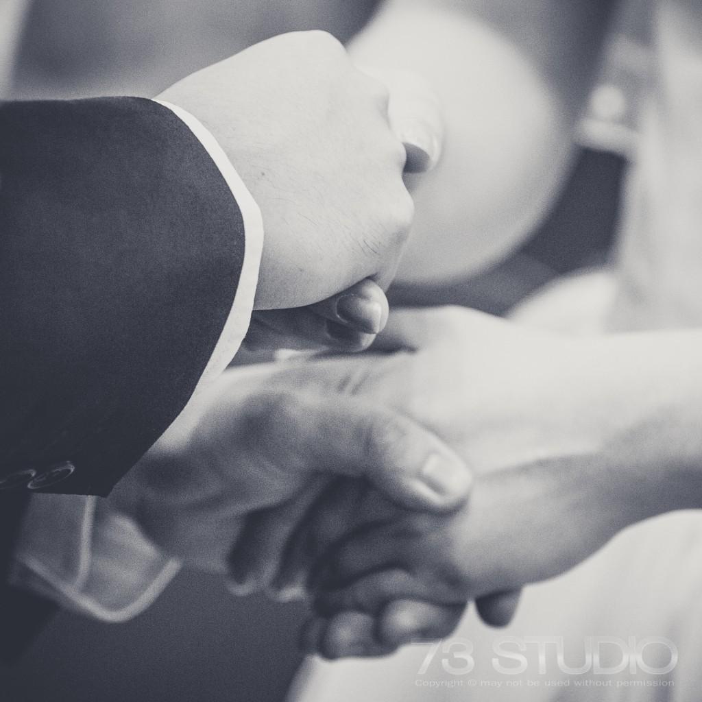 ช่างภาพงานแต่งงาน ในโบสถ์ ถ่ายภาพ งานแต่งงาน wedding ติดต่อ TEl. 087 0677012 082 2557771