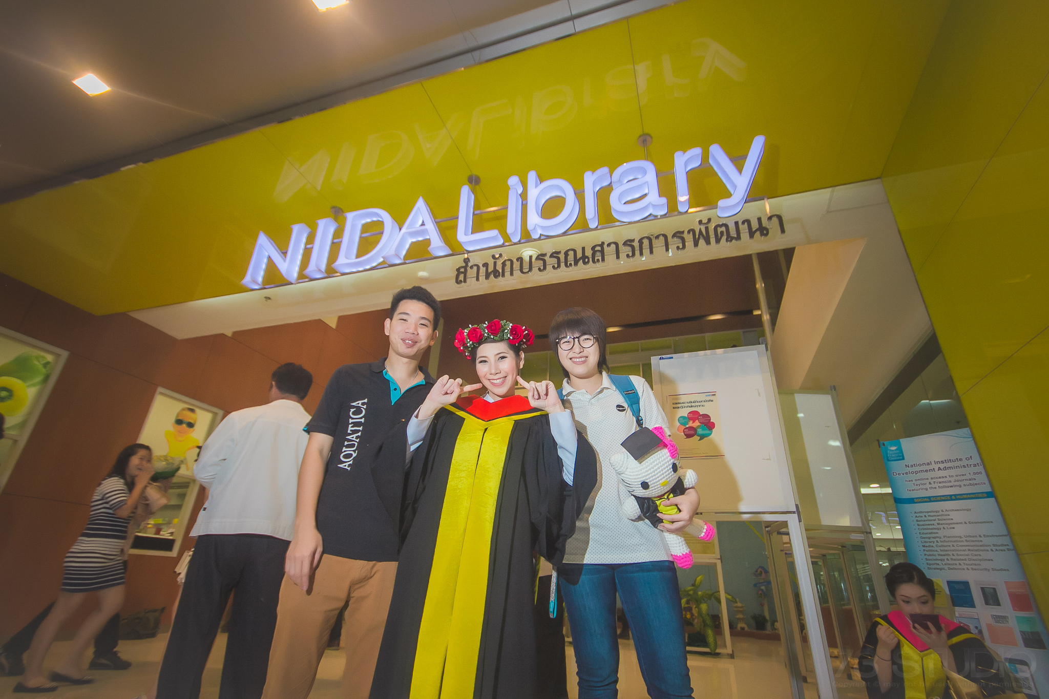 ช่างภาพถ่ายรูปรับปริญญา ม. NIDA-008